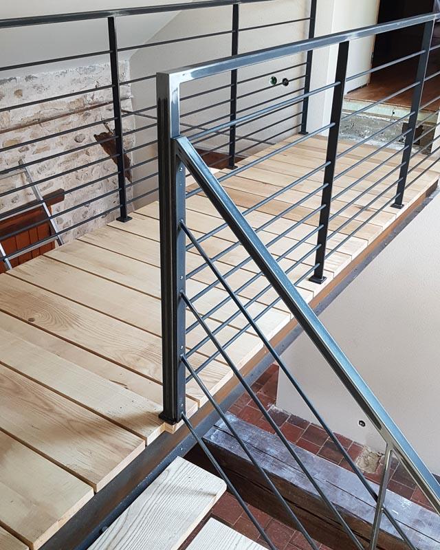 creation escalier metal sur-mesure angers maine-et-loire